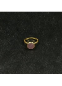 Pure by Nat Fingerring med Rosa Sten