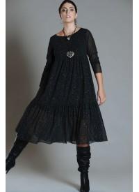 Que skøn kjole med glimmereffekt